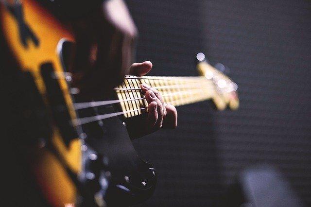 best short scale bass